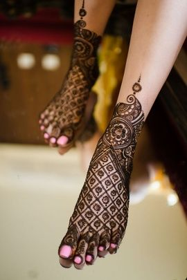 Indian Mehndi Designs for Feet-1