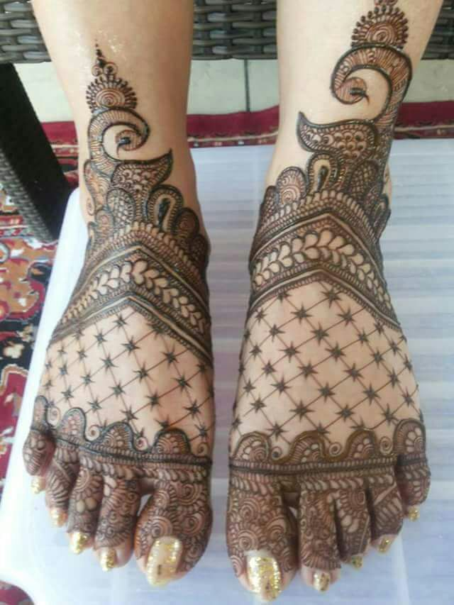 Indian Mehndi Designs for Feet-6