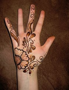 Mehndi Designs For Hands-3