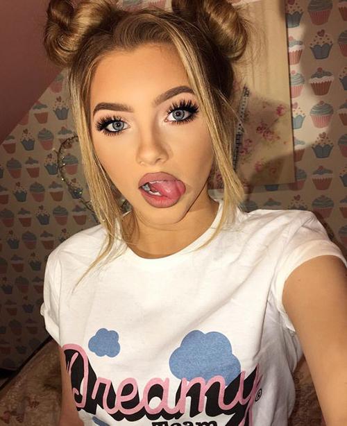 Stylish Selfie Poses Ideas For Stylish Girls-6