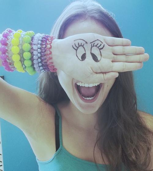 cute-selfie-pose-ideas-for-girls-2cute-selfie-pose-ideas-for-girls-2