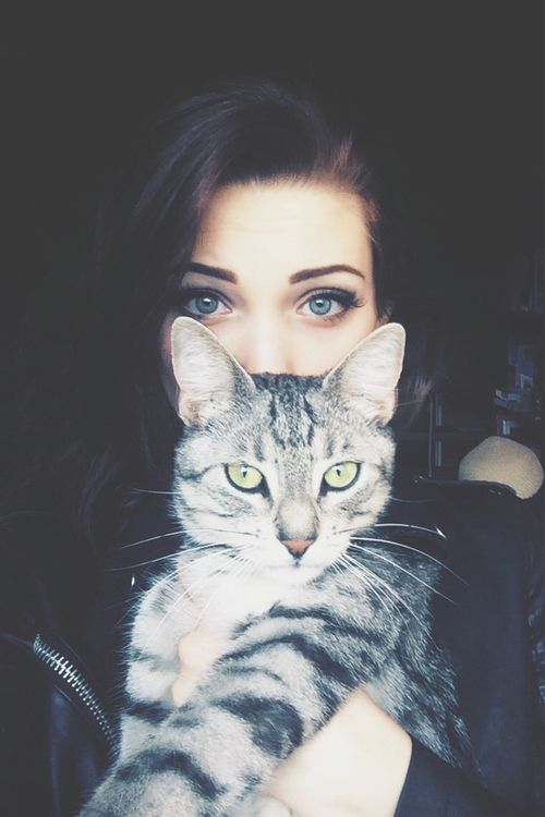 cute-selfie-poses-with-pet
